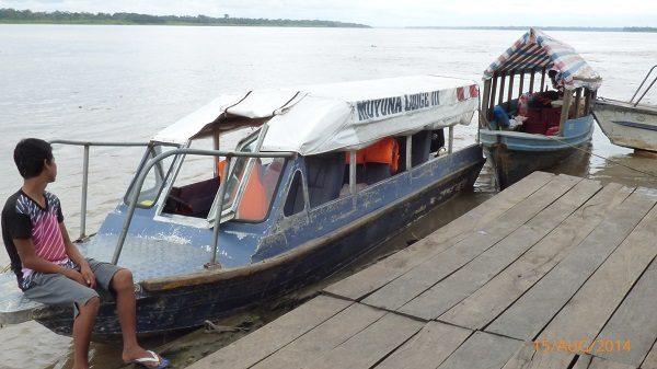 Boot naar Muyuna lodge