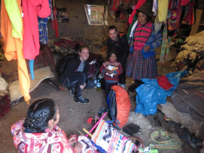 Bij een gezin thuis in Peru